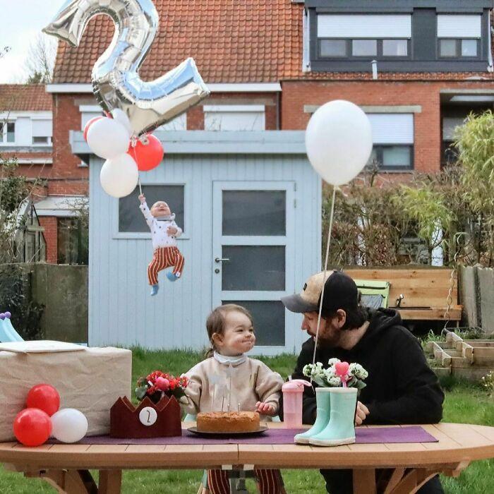 2 Pai faz essas fotos hilárias quando sua esposa pede para ele ficar sozinho com as crianças; confira