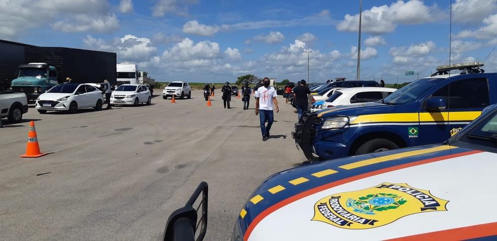 Operação prende 27 e apreende R$ 510 mil em mercadorias irregulares em estradas do RN e no Aeroporto de Natal